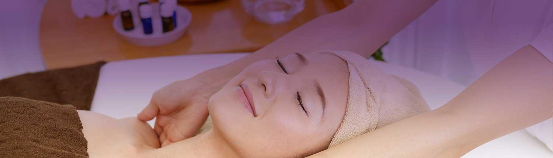 Dans notre institut de beauté Beauté d'Eden à Annecy, nous répondons de manière ciblée à toutes les problématiques cosmétiques de peau et offrons des programmes complets, sophistiqués, pour toujours plus d'efficacité, de bienfaits et de bien-être.